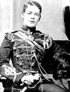 Churchill în uniformă militară (1895)